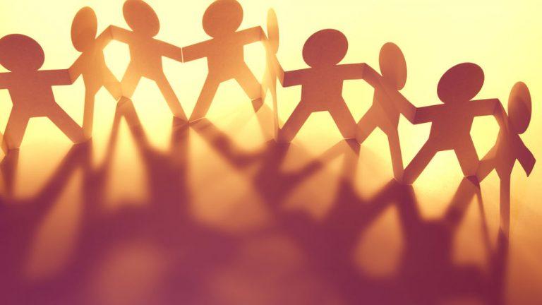 aider une association que faire de largent